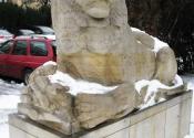 Jeden z lwów przed pałacem Lubomirskich