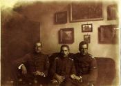 Major Leonard Lepszy po lewej. Zdjęcie udostępnione przez rodzinę majora